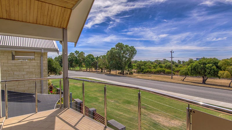 2/61 Jecks Street, Rockingham, WA 6168