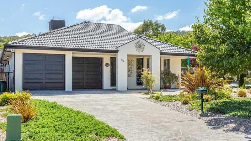 24 Bluestone Gardens, Jerrabomberra, NSW 2619
