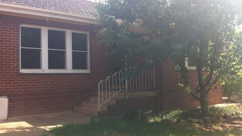 24 Heydon Avenue, Turvey Park, NSW 2650