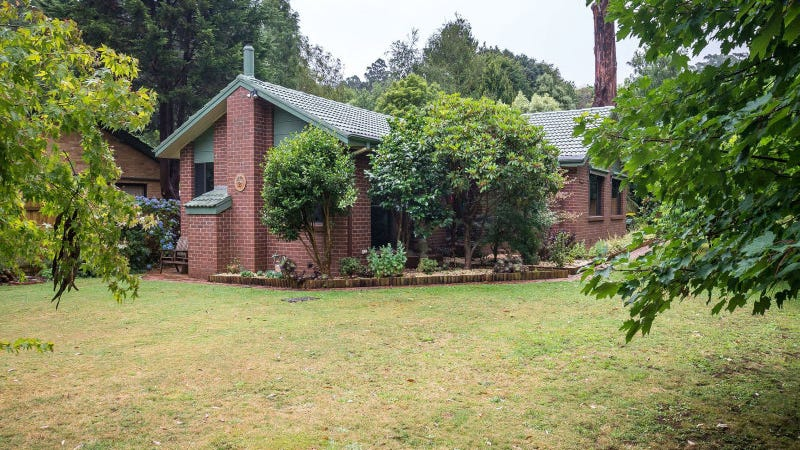 24 Falls Road, Mount Dandenong, Vic 3767
