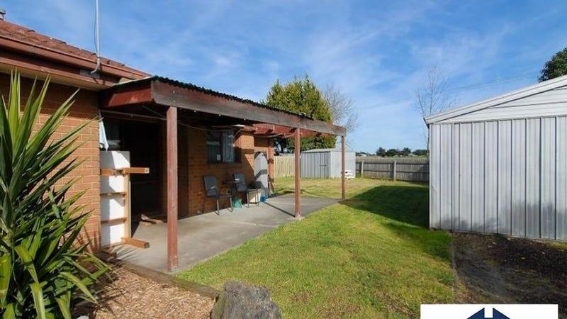 19 Caroline Cres, Cranbourne West, Vic 3977