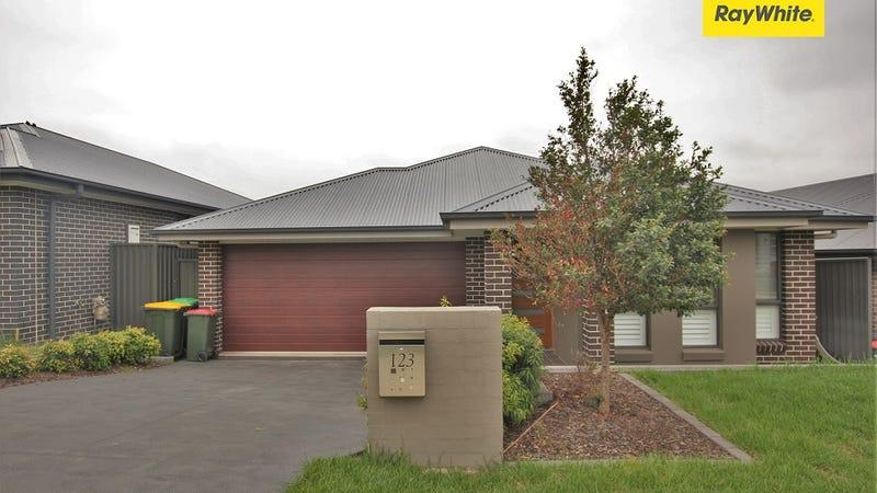 123 Kavanagh Street, Gregory Hills, NSW 2557