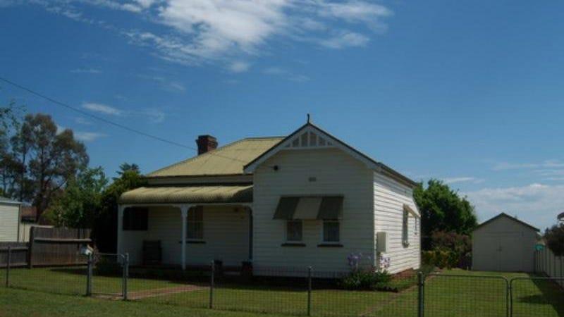 8 Short Street, Glen Innes, NSW 2370