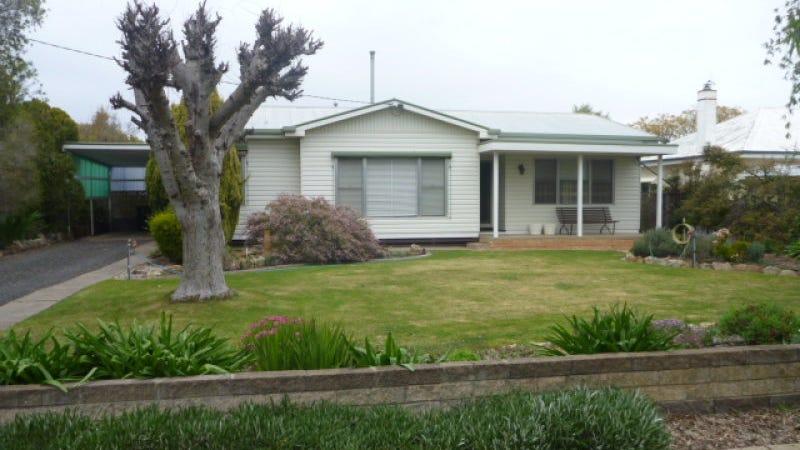 8 Dimboola Road, Nhill, Vic 3418