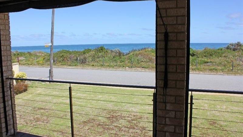 64 Sabina Drive, Madora Bay, WA 6210