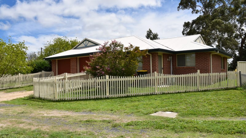 21 Railway Street, Glen Innes, NSW 2370