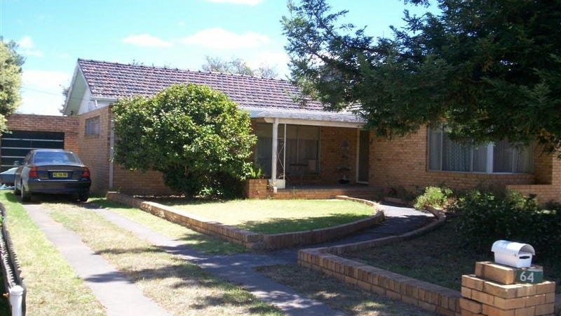 64 Osborne Street, Finley, NSW 2713