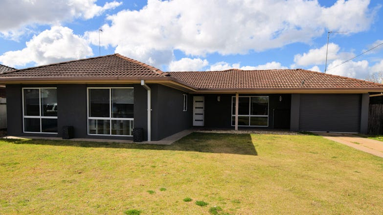10 Mazamet Court, Deniliquin, NSW 2710