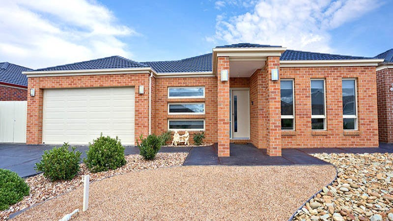 15 Chanticleer Avenue, Melton West, Vic 3337