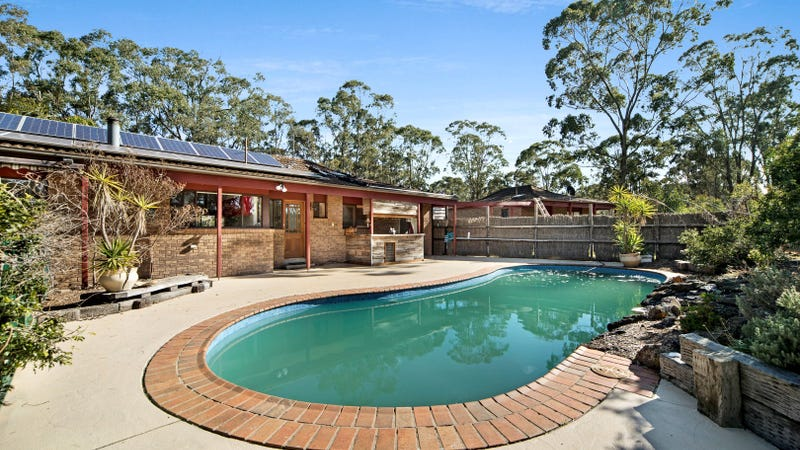 1 Grevillea Court, Long Forest, Vic 3340