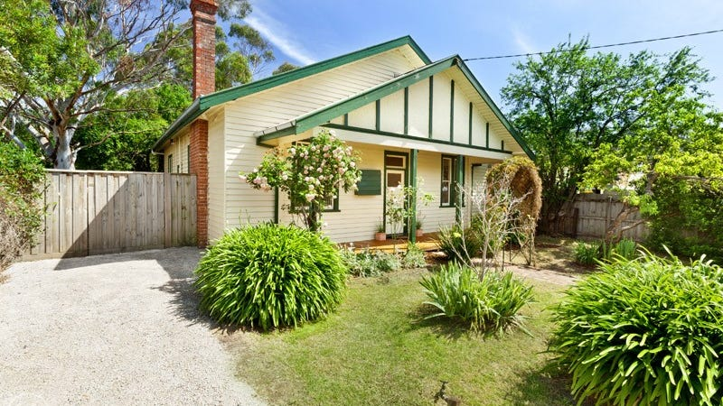 40 Graysharps Road, Hurstbridge, Vic 3099