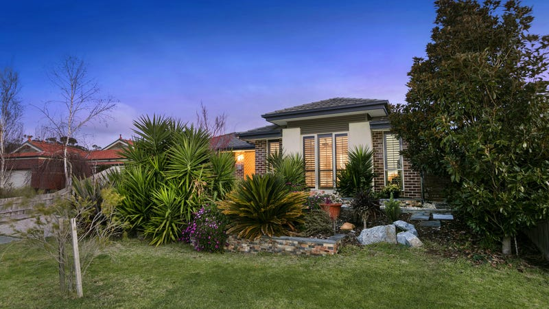 16 Dunmore Close, Langwarrin, Vic 3910