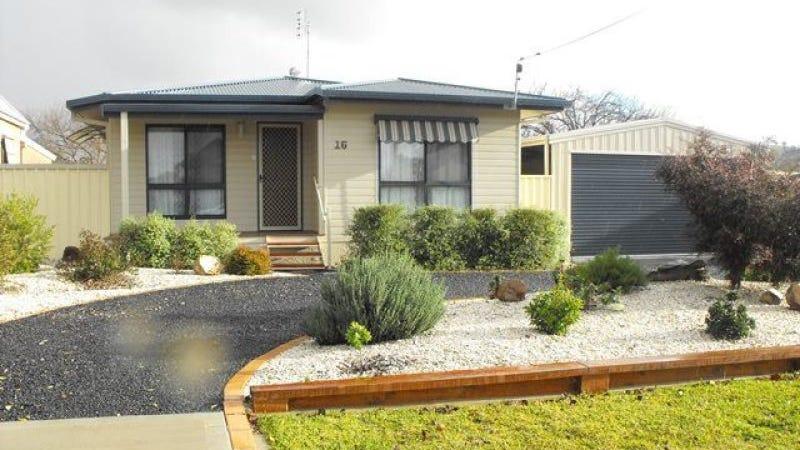 16 Queen Street, Cootamundra, NSW 2590