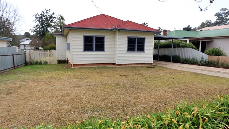 11 Heydon Avenue, Turvey Park, NSW 2650