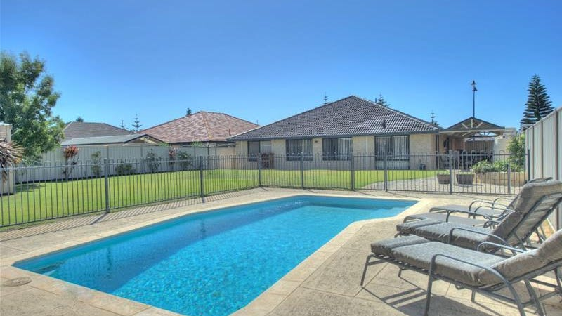 3 Surf Drive, Secret Harbour, WA 6173