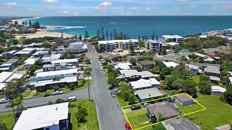 11 seaview terrace moffat beach qld 4551