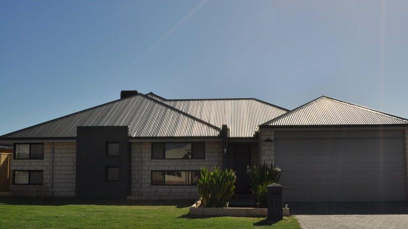 7 Carmela Corner, Wandina, WA 6530