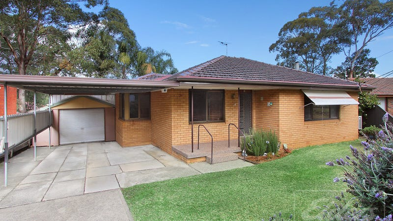 15 Sturt Avenue, Georges Hall, NSW 2198
