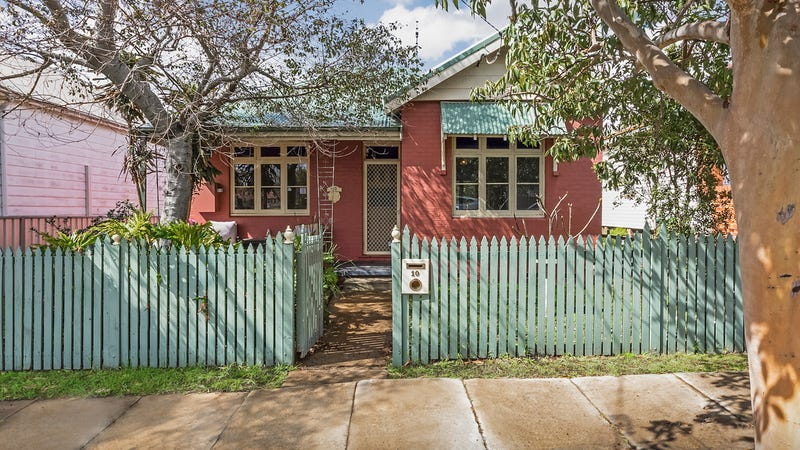 10 Bowker Street, Georgetown, NSW 2298
