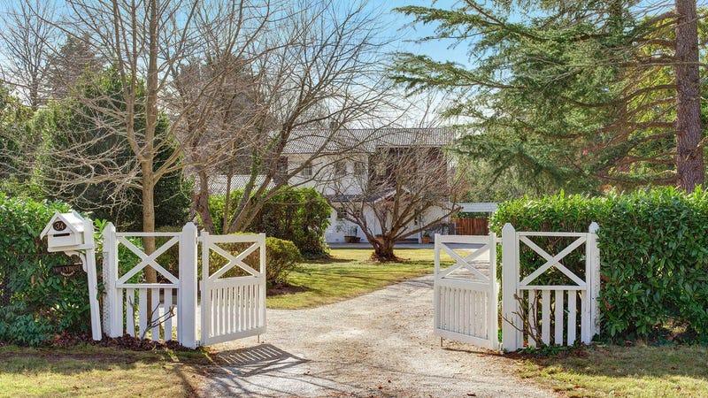34 Holly Road, Burradoo, NSW 2576