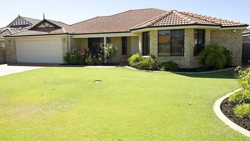 3 St Andrews Cres, Canning Vale, WA 6155