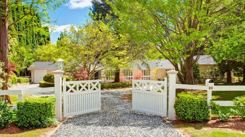 60 Holly Road, Burradoo, NSW 2576
