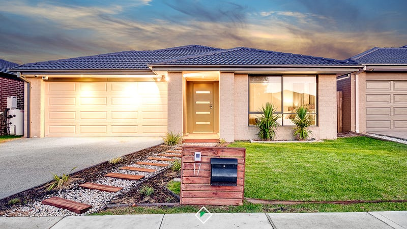 17 Pyrenees Road, Clyde, Vic 3978