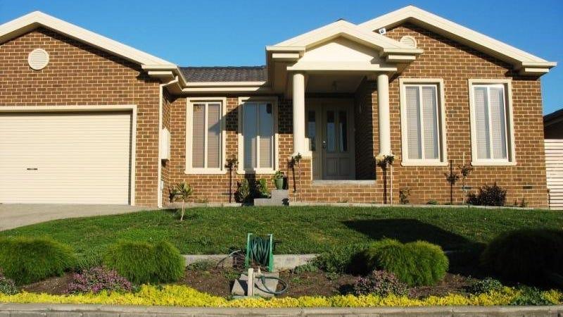 30 Riviera Drive, Berwick, Vic 3806