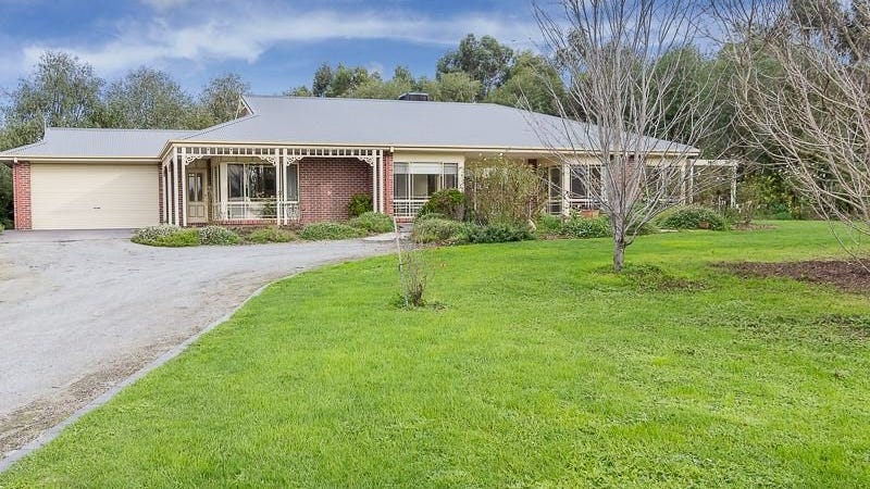 7 Nottingham Court, Drouin, Vic 3818