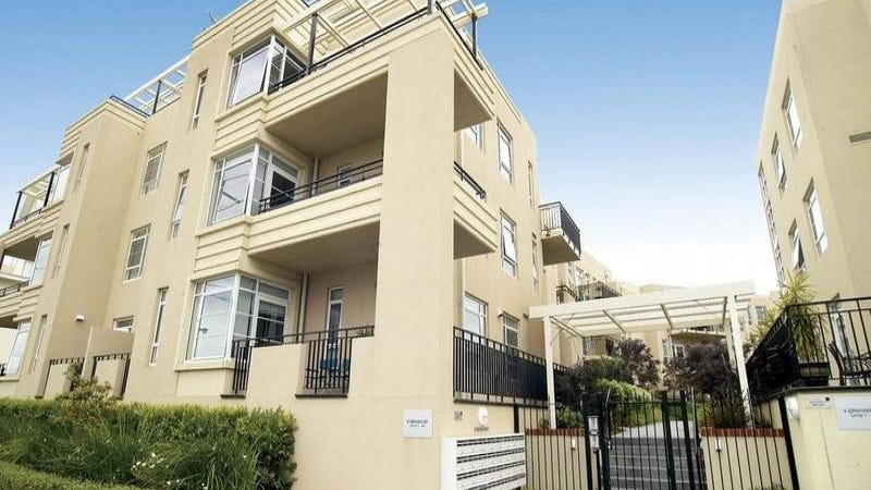 30/6 Graham Street, Port Melbourne, Vic 3207