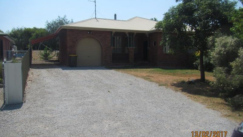 37 Railway Avenue, Duri, NSW 2344