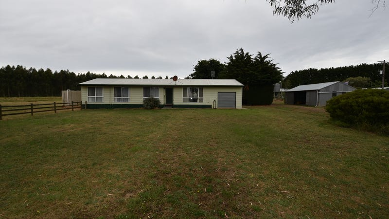 30 Coradjil Road, Simpson, Vic 3266