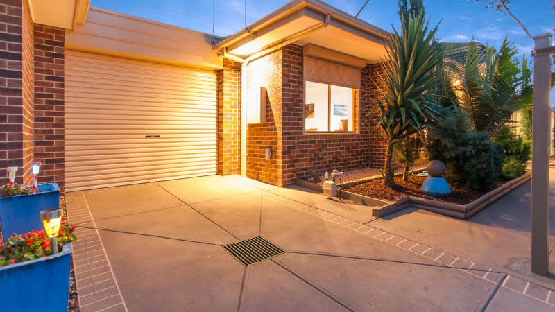 U 2/70 Golden Avenue, Bonbeach, Vic 3196