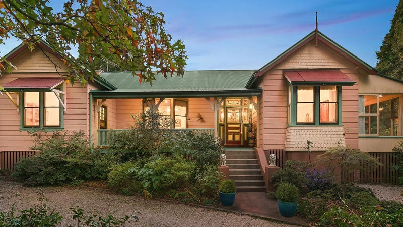 48 Armstrong Street, Wentworth Falls, NSW 2782