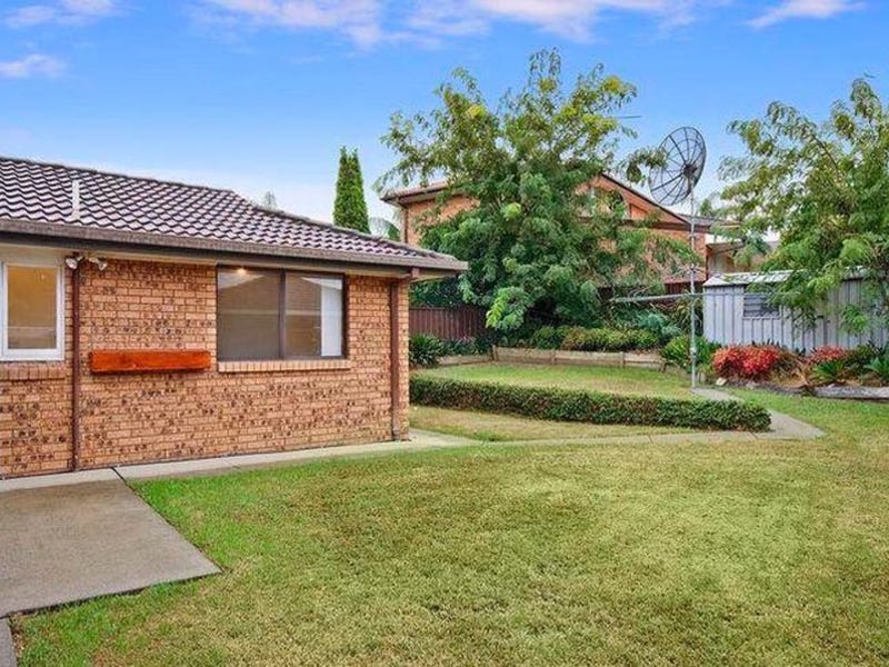 42 Sartor Crescent, Bossley Park, NSW 2176