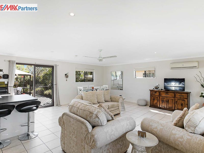 11 Lakeside Court, Torquay, Qld 4655