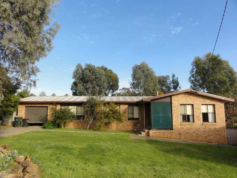 10 Carrigg Place, Gundagai, NSW 2722