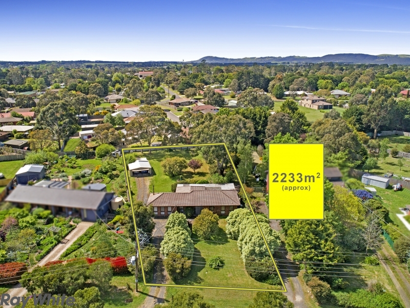 17 Digby Drive, Romsey, Vic 3434