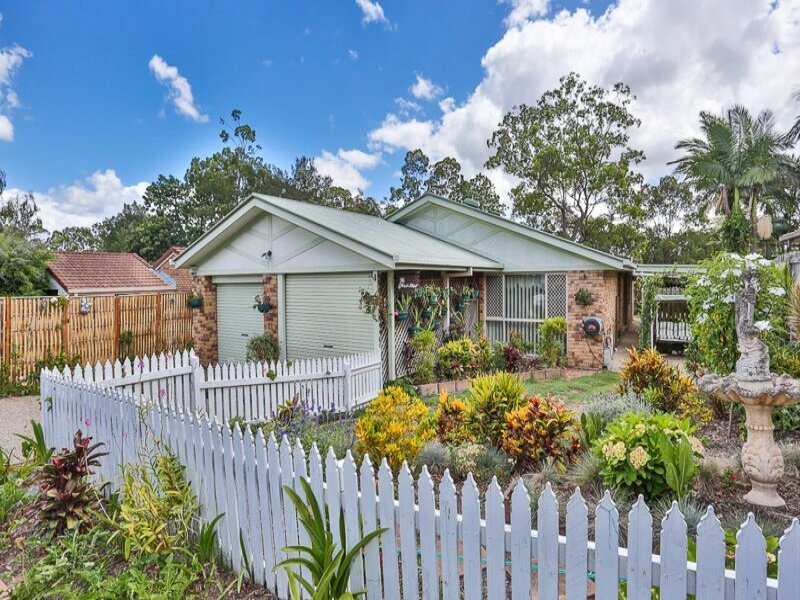 11 Radiata Place, Forest Lake, Qld 4078