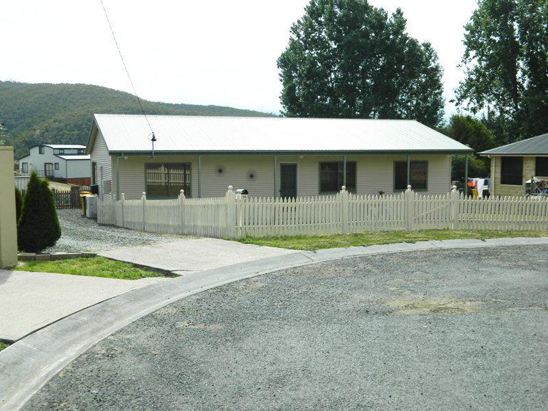 104 Derwent Terrace, New Norfolk, Tas 7140