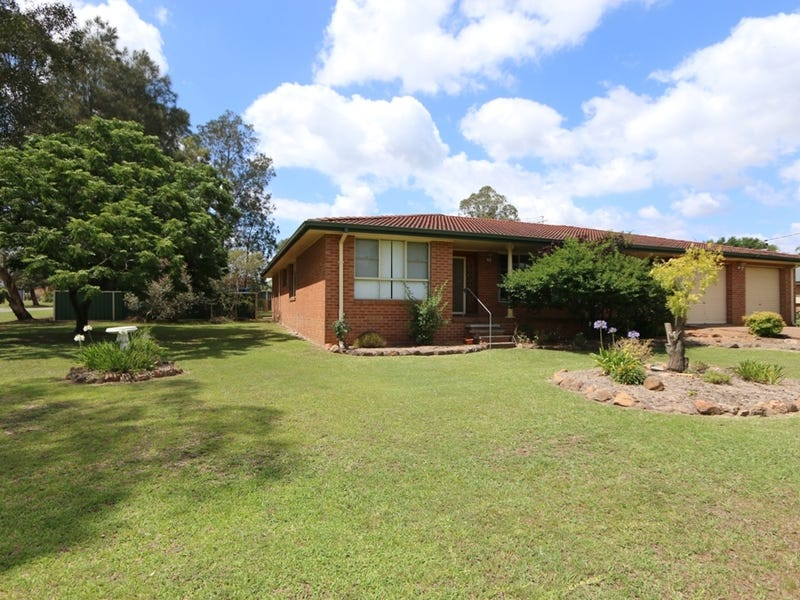 14 Freeman Drive, Lochinvar, NSW 2321