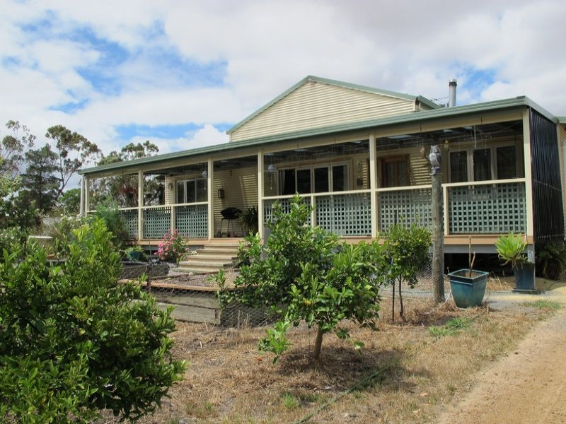102 Chauvel Road, Kendenup, WA 6323