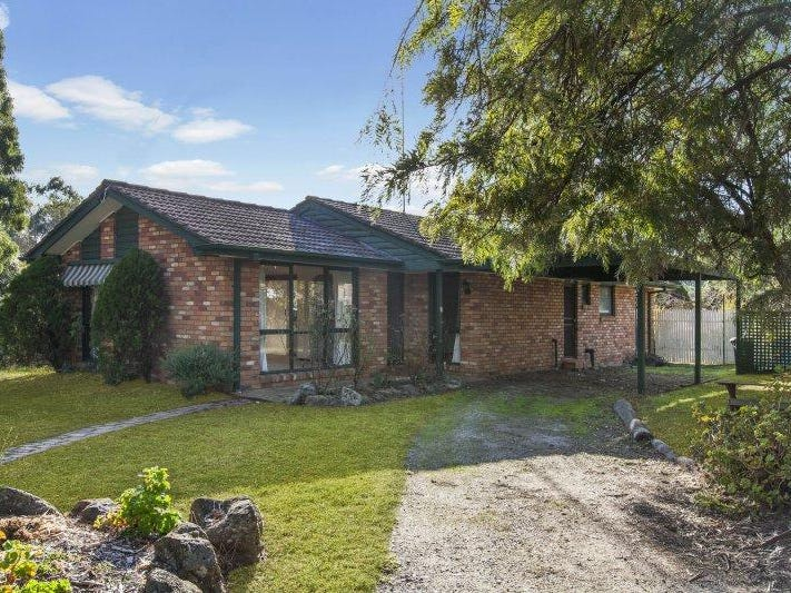 5 First  Street, Broadford, Vic 3658