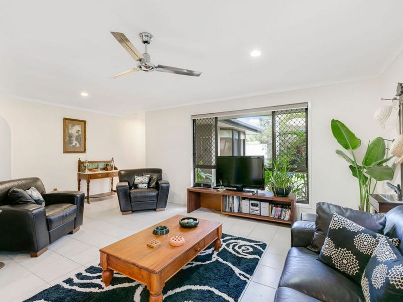 2 Richard Crescent, Highland Park, Qld 4211