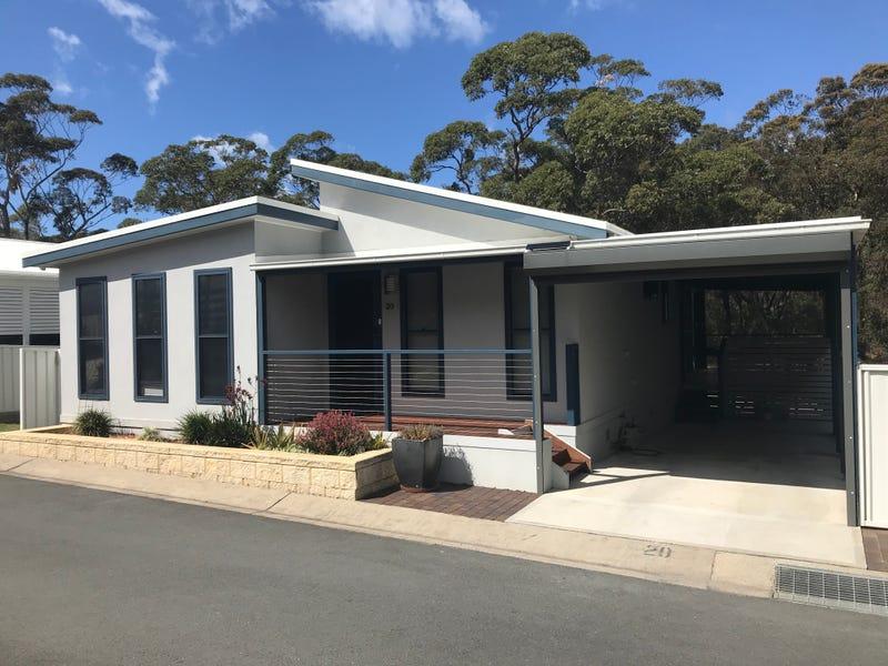 20/300 Kings Point Drive, Ulladulla, NSW 2539