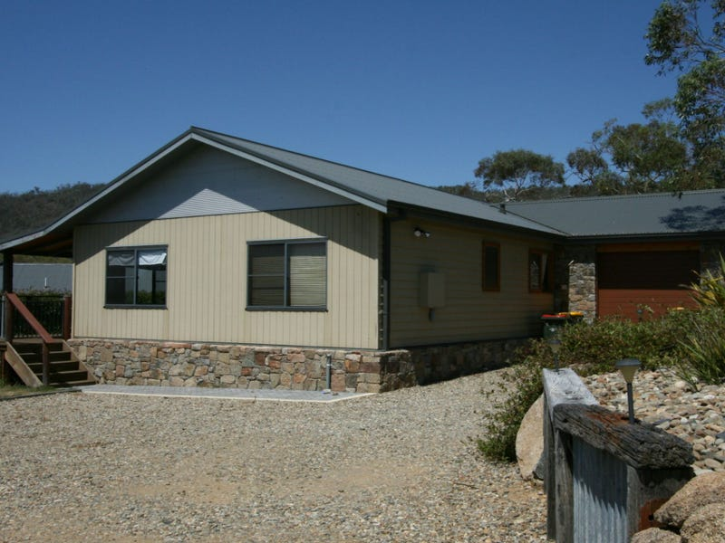 4 Lakeview Terrace, East Jindabyne, NSW 2627