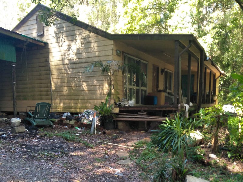 122 Algona, Middle Brother, NSW 2443