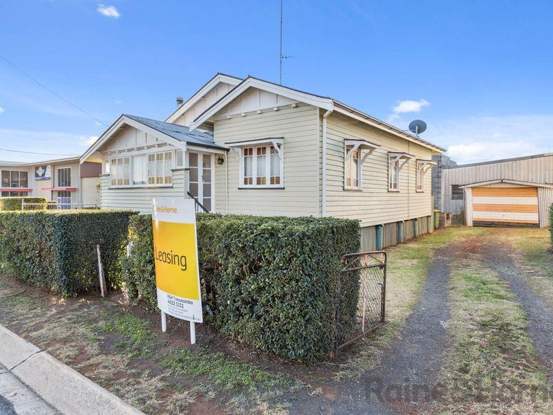 3 Robertson Street, South Toowoomba, Qld 4350