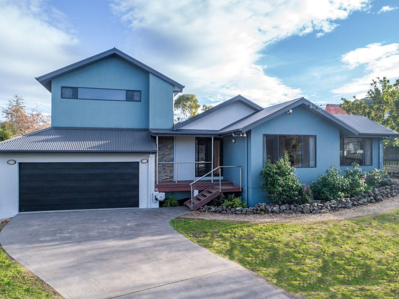 6 Beach Road, Lindisfarne