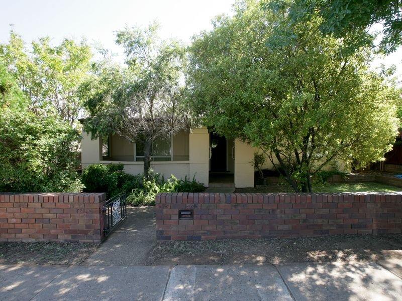 61 Coleman Street, Turvey Park, NSW 2650